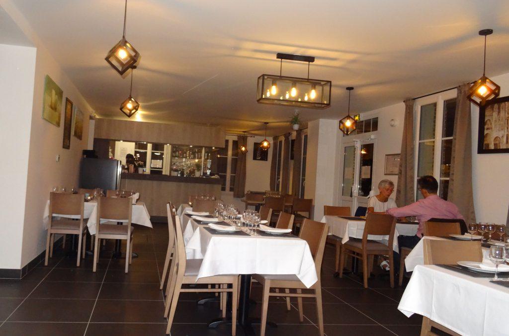 Salle du restaurant d'Aizier 'Le relais des Chaumières' - mai 2018
