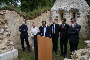 """Luc Bonnin propriétaire du site """"Chapelle St Thomas d'Aizier"""